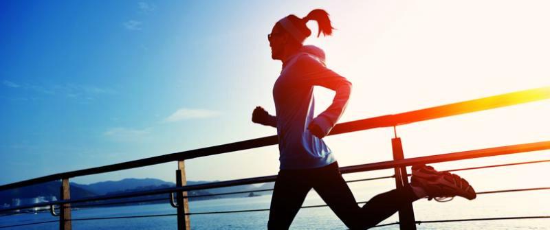 La course à pieds reste un exercice cardio très utile pour maigrir du visage et perdre des joues
