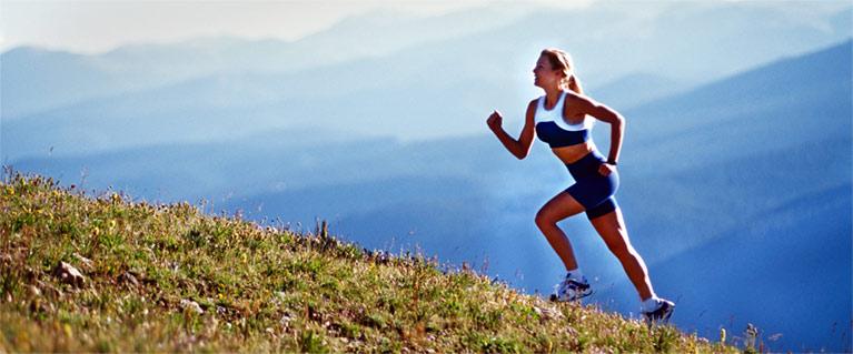Perdre du poids en marchant avec du dénivelé fonctionne très bien!