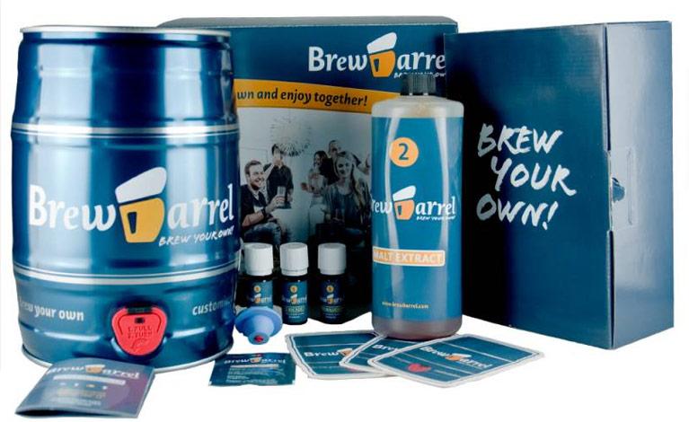 Le kit de brassage bière blonde BrewBarrel, idée cadeau original pour homme de 30 à 40 ans