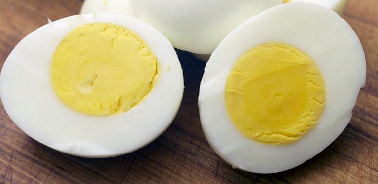 Que manger pour maigrir? Des œufs entiers biensûr!